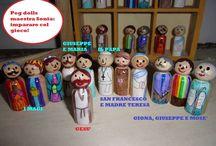 Peg dolls - maestrasonia.it / I peg dolls appartengono alla tradizione inglese, io li ho fatti arrivare on line e poi li ho decorati per rappresentare i personaggi biblici con cui adesso giocano, imparando, i miei alunni!
