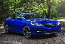 Honda Accord / From available 10-way power seats with memory functionality to standard Dual-Zone Climate Control, the interior of the Accord is full of elegance and comfort.