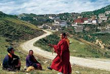 "Tibet / Tibet, the ""Roof of the World"", has a magic attractive force for travelers for hundreds years"