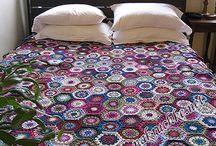 Пледы и подушки / Вот что создает уют в наших домах