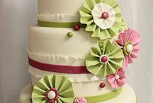Cakes and Cupcakes / by Sue Varisco