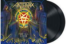 """Anthrax / Gli Anthrax sono un gruppo Speed Thrash Metal statunitense, fondato a New York nel 1981 dal chitarrista Scott Ian e dal bassista Dan Lilker. Sono considerati uno dei gruppi """"big four"""" del thrash metal, accanto a Metallica, Slayer e Megadeth."""
