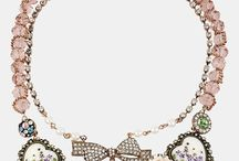 Necklaces-chockers