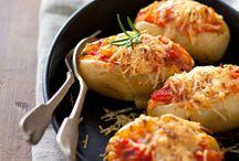 50 recettes à base de pomme de terre / La pomme de terre, on la connaît bien, et on l'aime sous toutes ses coutures. Économique, facile à cuisiner, elle nous bluffe à tous les coups et régale toute la famille. Voici 50 recettes qui vont vous donner la patate !
