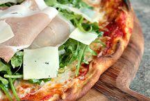 Pizza, focaccia, coca, pissaladiere / El mundo de los panes planos en el Mediterráneo