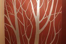 Деревья на стене