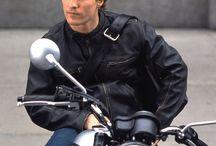 Známí lidé na motorkách - Well-known people on motorbikes / Známé i méně známé osobnosti s motocykly.