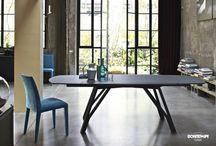 Wonder:  il tavolo ellittico di Bontempi Casa / Wonder trasforma la materia, amplia la sua superficie ed pronto ed accogliere e a stupire ogni nostro ospite.