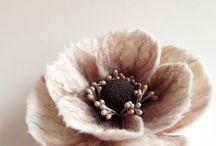 Woo felt flower