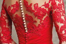 Vestidos Vermelhos com botoęs de perolas
