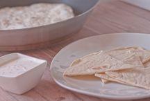 Inspirierende Beilagen / Man kann zu seinem Essen natürlich immer brav Nudeln, Reis und Kartoffeln als Beilage machen, allerdings, kann man auch gerne was kreativer sein udn ausgefallenen Beilagen zu Hause selber machen. Das ist weniger schwierig als man denkt. Probiert es ruhig mal aus.