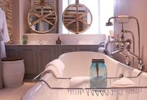 Country Style Bathrooms / Escape to the country with these stunning #country #bathroom ideas