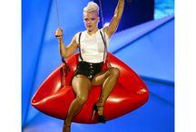 2012 MTV Video Music Award Fashions