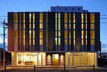 "KANASHIRO Bldg / LSD design co., ltd. ""KANASHIRO Bldg""/2013/apartment/Okinawa, Japan/reinforced concrete construction/three stories white, tile, stripe,"