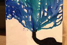 Paints & draws