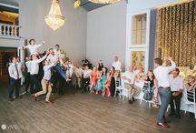 Wedding photo garter toss