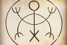 Symboly a runy