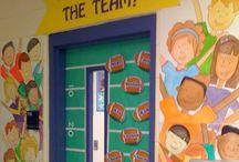 Classroom Door Decor Ideas / Classroom Set Up for The First Week of School: Classroom Door Decor Ideas