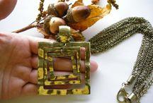 nábytek patina a šperky