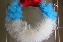 I love a wreath!!! / by Melanie Fuchs