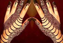 henna tatoos