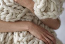 Knitting / Arm knitted rug