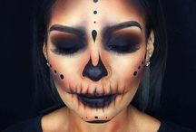 Kostüme -Make up
