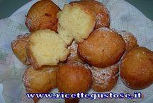 Dolci fritti - ricette carnevale / Ricette per fare ottimi dolci fritti , dolci per carnevale. https://www.ricettegustose.it/Dolci_fritti_index.html #dolci #fritti #carnevale #ricettegustose #ricette #gustose #recipe #receta #food #carnival @carnaval