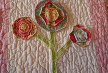 crafts - I need to learn how to quilt / by Tracey Zimmer
