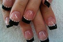Nails / by Dami Heinz