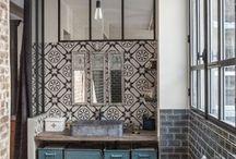 Traditionele / klassieke Badkamers / Inspirerende badkamer ideeën, of je nu een jaren 30 badkamer wil of een badkamer met oosterse accenten. Wij hebben een aantal mooie ideeën op een rijtje gezet.