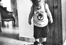 Piccoli scatti crescono / Prendi ispirazione per creare il fotoalbum del tuo bambino e non perdere l'occasione per fermare nel tempo i suoi sorrisi.
