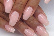 Nude / natural Nails