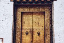 Doors of the World / Doors around the world
