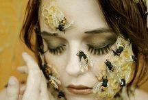 Strój królowej pszczół
