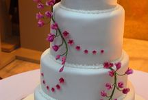 Wedding Cakes / by Lena Gerasymenko