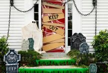 Halloween decor ideas / Awesome because it still allows you to open and shut