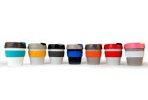 Keepcup pohár / Ekopohár KeepCup je prvý austrálsky dizajnový hrnček určený pre opakované naplnenie kávou u Vás doma alebo vo Vašej obľúbenej kaviarni. KeepCup je vyrobený z recyklovateľného polypropylénu a bez bisfenolu A. KeepCup Vám prinášame v 3 veľkostiach (Espresso 125 ml, Cappuccino 340 ml, Latte 454ml) a v niekoľkých farebných prevedeniach. Skvelý darček pre milovníkov kávy aj planéty.   http://www.odora.eu/keepcup-pohar/