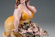 Kövér női szobrok