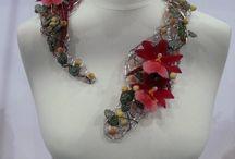 Floristry necklaces and decorations - kaula- ja asukoristeet