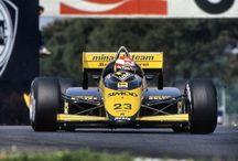 Las mejores fotos de Fórmula 1 / Las mejores fotos de mi recopilación personal catalogadas con el nombre del piloto, el nombre del monoplaza, el año y el circuito.