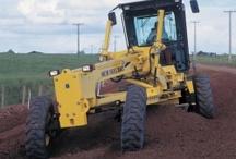 Máquinas / Equipamentos de terraplanagem e obras