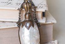 Purfume bottle / by Susan Bellarosa