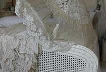 Wonderful Shabby Chic / I just love this Shabby Chic look, it is so very pretty and utterly feminine..