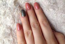 Nails me / Nails