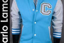 Bluzy męskie Carlo Lamon / Topowe bluzy męskie z kapturem marki Carlo Lamon wykonane z grubej i ciepłej dzianiny. Idealne na każdą porę roku, dostępne w wielu modnych kolorach i pełnej rozmiarówce.