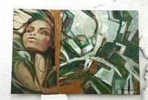 Зеленая Муза / Образ героини здесь перекликается с другими картинами художника – это сильная личность. Уверенность во взгляде, почти физически ощутимая целеустремлённость – всё это характеризует «вдохновительницу».