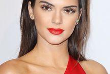 Red dress makeup