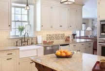 Kitchen / by Aimee Woods