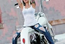 Photo Inspirations: Girls on Motorbikes